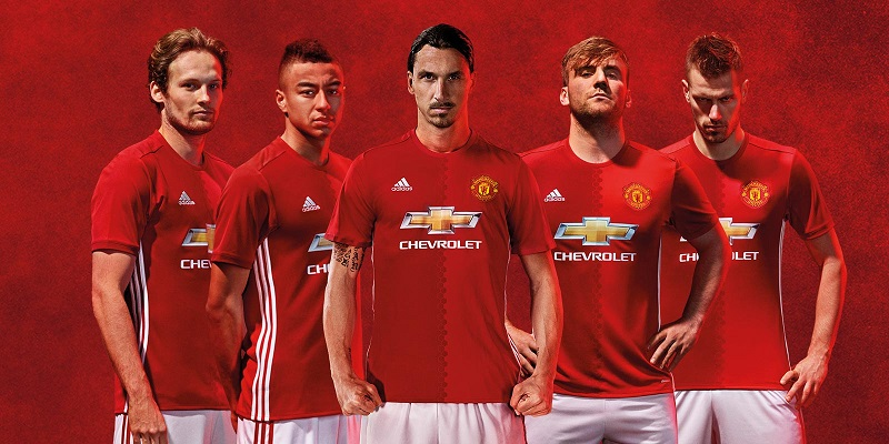 jersey bola manchester united